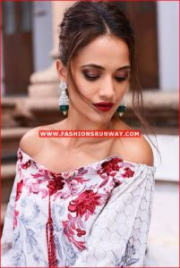 Faraz Manan Eid Collection 2016 Design FM11